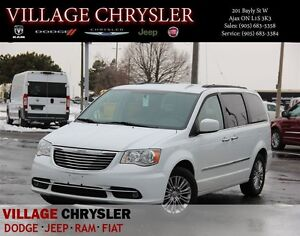 2016 Chrysler Town & Country Leather, Navigation, Heated Front S