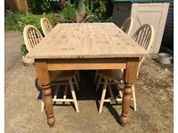 Solid pine farmhouse table with x4 chairs