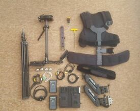 Steadicam Pilot SD + 2x Power Lok PLV 95 + Swit SC- 304s