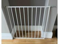 Cuggl wall fix baby gate