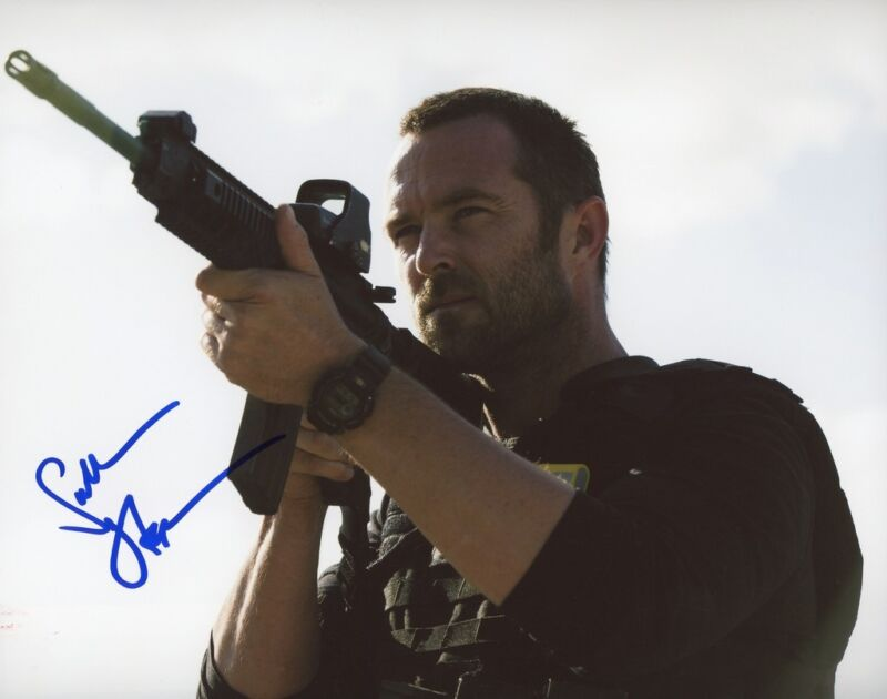 "Sullivan Stapleton ""Strike Back"" AUTOGRAPH Signed 8x10 Photo ACOA"