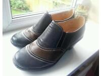 Lady shoes size 5