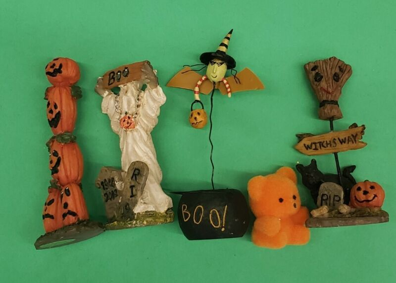 August Moon Batty Pot Halloween witch + other miniature figurines Lot of 5