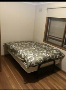 Room for rent @hoppers crossing $550including bills, walk to station