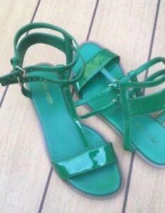 Sandales de femmes NINE WEST vertes comme neuves gr 6
