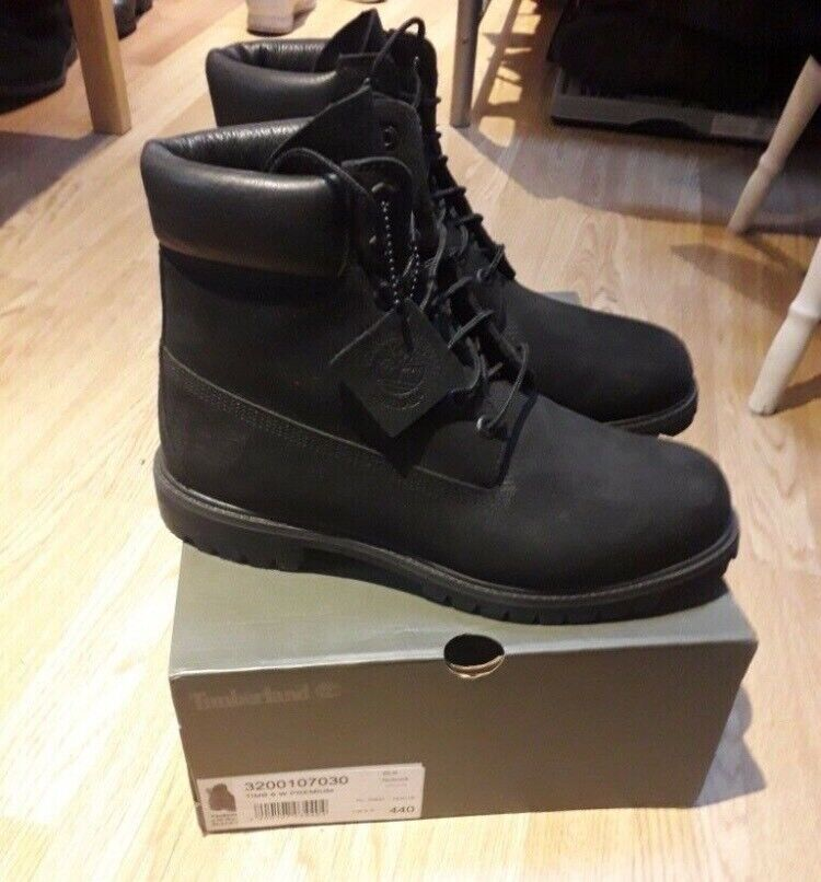 Black Timberlands (Size 9)  ccc3f612b