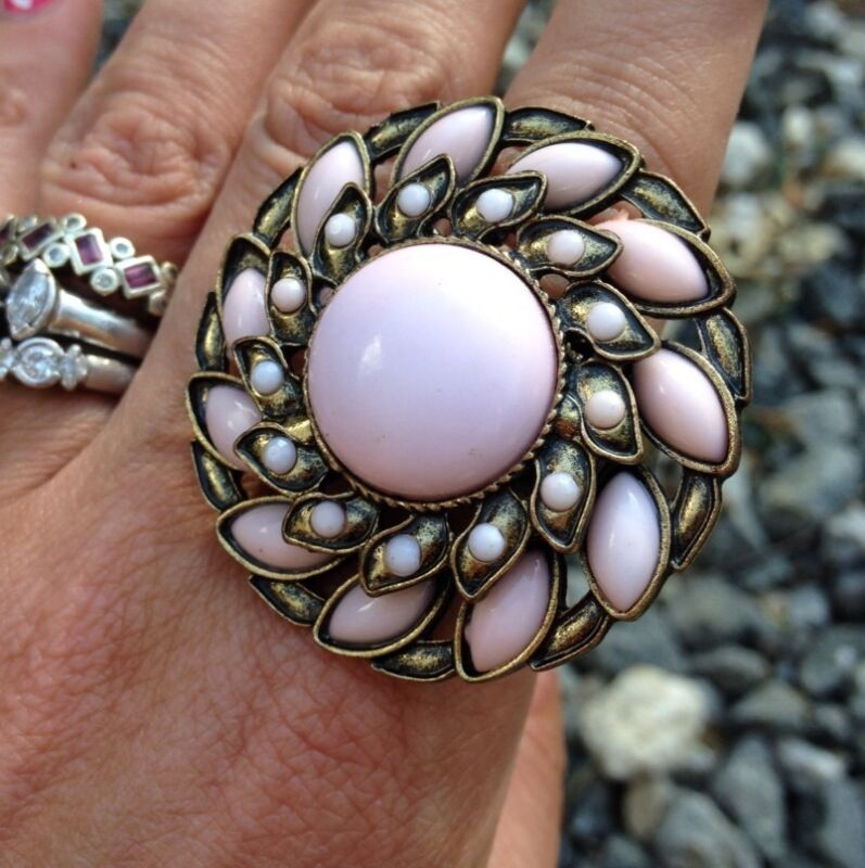 *ANIMAL CHARITY* NEW PINK & BRASS ABSTRACT FLOWER STATEMENT STRETCH RING