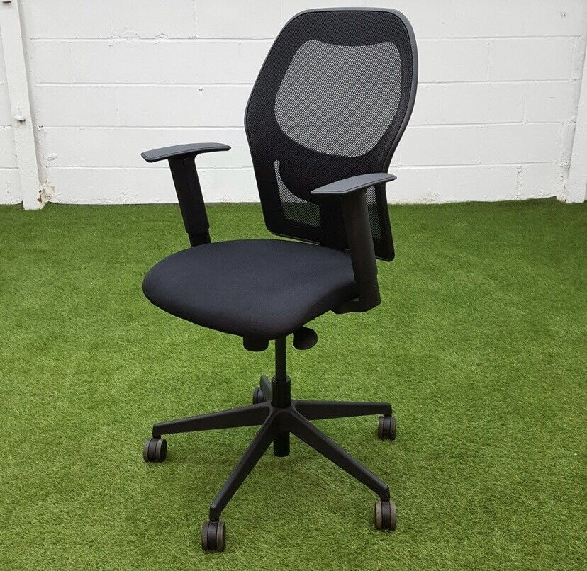 Verco Mesh Office Chair, Fully Adjustable With Armrests