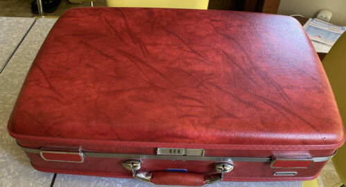 Vintage American Tourister ESCORT Marbled RED Hard Suit Case Luggage 1980 s - $35.99