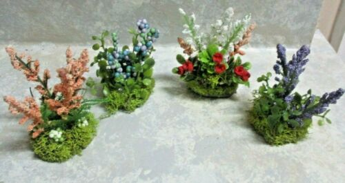 "set/Lot of 4 miniature dollhouse berry and rose plants/1 1/2"" wood base/2 1/4""h"