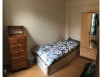 Cosy Single Room Stratford E15 All Bills Included