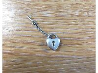 Pandora charm - love heart with gold key