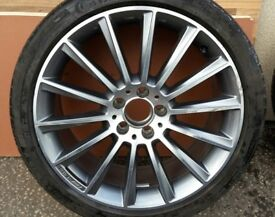 """1 X GENUINE MERCEDES C CLASS CLS 19"""" AMG REAR ALLOY & 255/35/19 TYRE A2054011400"""