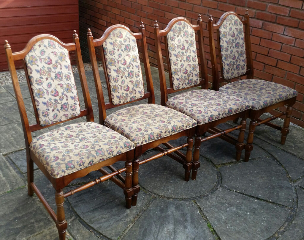 4 dining chairs. solid wood. In good condition.