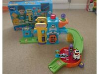 *Excellent As New* Vtech Toot Toot Police Station with Talking Police Car