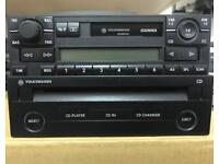 GENUINE VW GAMMA CASSETTE PLAYER AND SINGLE CD PLAYER IN VERY GOOD CONDITION ****WITH CODE****