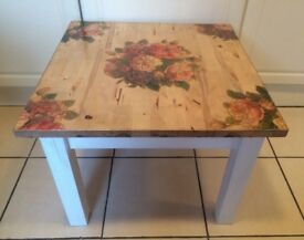 WOODEN COFFEE/SIDE/OCCASIONAL TABLE