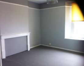Two Bedroom Seaview Flat, newley re-decorated and carpeted throughout,would suit professional couple