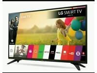 """32"""" LG Smart TV with webOS LH590U"""
