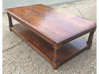 Large solid wooden coffee table ☕️