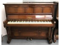 ***CAN DELIVER*** BEAUTIFUL UPRIGHT PIANO ***CAN DELIVER***