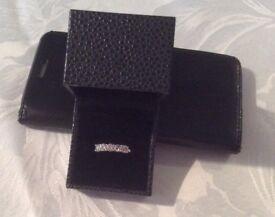 18k white gold 5 stone diamond ring