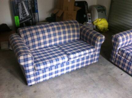 2 + 3 Seater Couch + Table