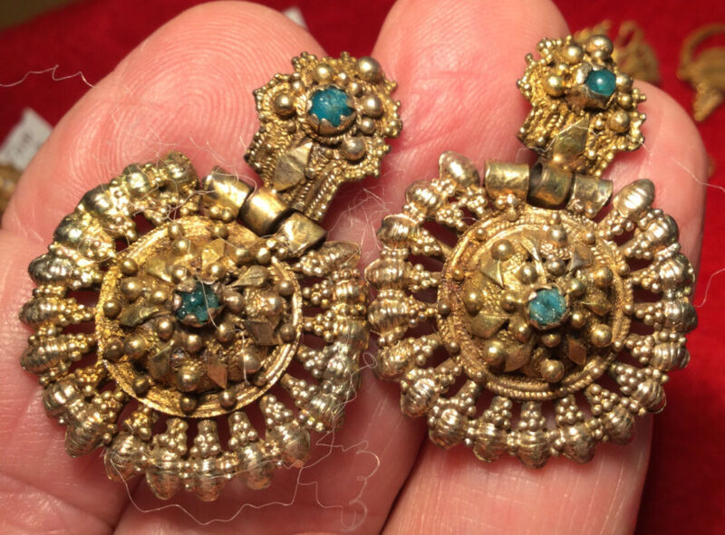 OTTOMAN EMPIRE MIDDLE AGES  = Gold + EMERALD   EARRINGS    -  wearable