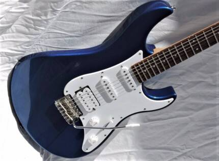 Yamaha PAC-012 Blue Pacifica Electric