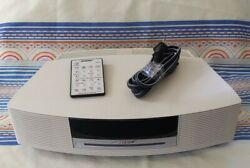 Bose Wave AM/FM Radio CD Player / Alarm Clock White AWRCC2.  Very Nice!