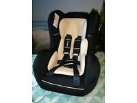Mothercare car seat 0+1 rear / forward facing birth to 4years