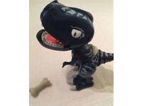 Zoomer Chomplingz Tiger Tail Dinosaur & Bone 🍖