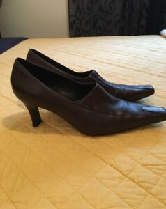 Ladies Ecco brown shoes