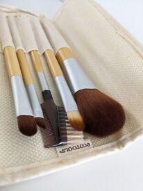Beauty brush set - EcoTools - 5 Piece Set and carry case - Makeup Brushes - Unused