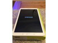 "Samsun Galaxy TAB E SM-P560 9.6"" WiFi White 8gb Mint condition +16gb sd card"