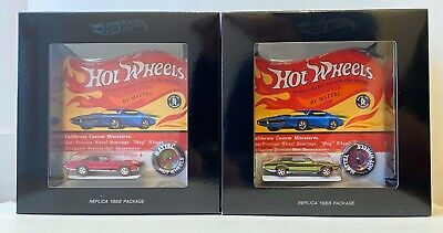 """1968 HOT WHEELS REPLICA CARS IN PACKAGE WITH BUTTON """"SWEET 16"""". (NEW)"""