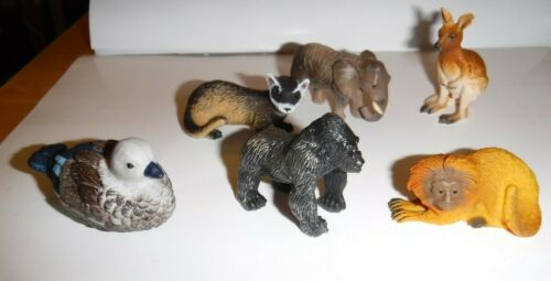 6 Yowies Figures Very Good Condition