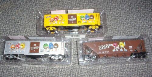 M&M - O-GAUGE TRAIN BOX CAR SET OF 3  -  NEW -  FREE SHIPPING