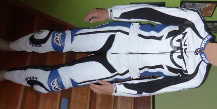 Berik two piece motorcycle leathers