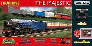 HORNBY OO GAUGE R1172 'THE MAJESTIC' DIGITAL eLINK TRAIN SET *NEW* (U23)