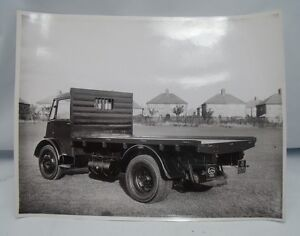 VIXEN-FLATBED-LORRY-PHOTOGRAPH-Guy-Motors-Wolverhampton-c-1955