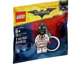 Lego BNIB batman keyring kiss kiss tuxedo