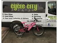 "GIRLS MOUNTAIN BIKE 24"" WHEELS £30"