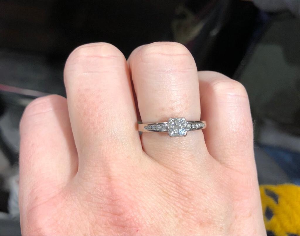 18k white gold diamond ring.   in Lisburn, County Antrim   Gumtree