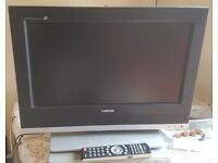 Toshiba 20W330DB 20in LCD TV WITH REMOTE CONTROL