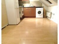 AMAZING 1 BEDROOM FLAT JUST 5 MINS WALK TO ZONE 2 NIGHT TUBE, 24 HR BUSES & SHOPS