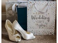 Get £300 OFF on your Wedding Photography Package…