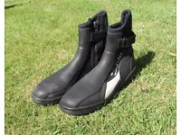 Dinghy Boots & shoes - size 9