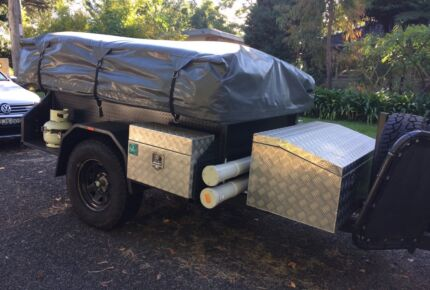 Aussie Jay's 'The Crusher' 2014 Off Road Camper