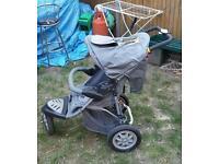Three wheel buggy with raincover